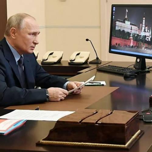 """Путин призвал разоблачать ложь о """"легких"""" наркотиках"""